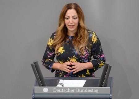 Warum eine Berliner Linke-Abgeordnete mit der Bundesregierung stimmte